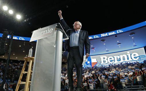 Radikaali vasemmistopoliitikko Bernie Sanders, 78, haluaa mullistaa koko USA:n yhteiskunnan - voiko hänestä todella tulla maan seuraava presidentti?