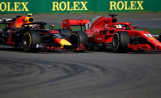 Max Verstappen kolhi Sebastian Vettelin kisan pilalle.