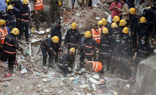 Useita on kuollut tuliplossa Mumbaissa.