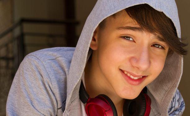 Poikien Puhelin on auttava puhelin alle 20-vuotiaille pojille. Kuvituskuva.