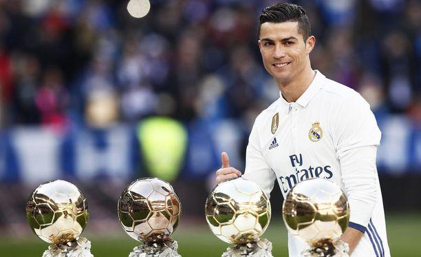 Cristiano Ronaldo palkittiin Real-vuosiensa aikana neljä kertaa maailman parhaana jalkapalloilijana.