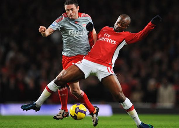 Robbie Keane (vas.) ei ole pystynyt vakiinnuttamaan paikkaansa Liverpoolin kärjessä.