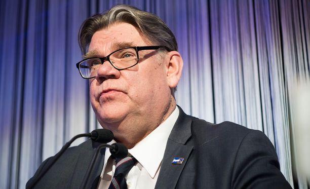 Ulkoministeri Soini esitti osanottonsa Lontoon terrori-iskuista.