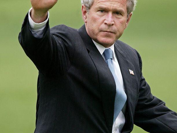 Yhdysvaltojen ex-presidentti George W. Bush on joutunut Trumpin hampaisiin, kertoo The Hill.