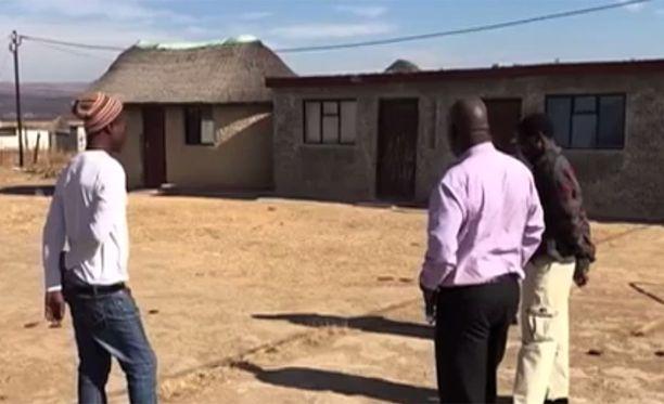 Talo, josta löytyi ihmisen jäännöksiä.