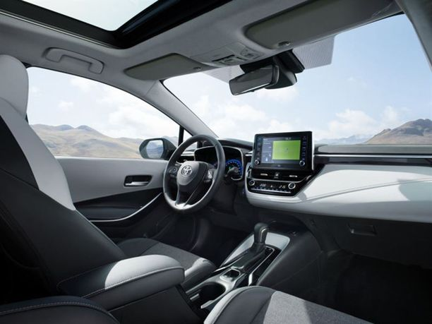 Uudessa Corollassa on panostettu laadun tuntuun materiaalivalinnoilla ja uusilla varusteilla.