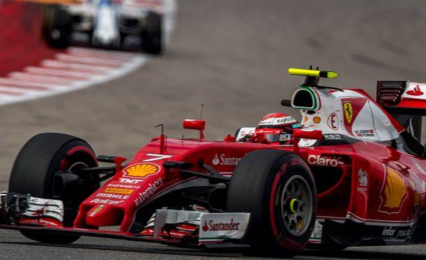 Kimi Räikkönen oli hyvässä lennossa aika-ajon ensimmäisessä osiossa.