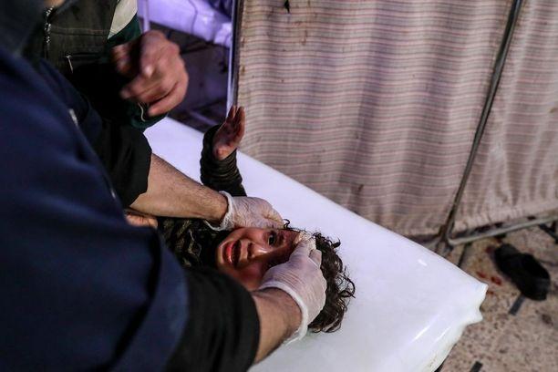 Liki 60 lasta on kuollut viikonlopun jälkeen Syyrian hallituksen pommituksissa.