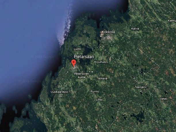 Turvepöly on syttynyt palamaan turpeen vastaanottoasemalla Pietarsaaren suurteollisuusalueella.