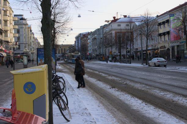 Pommiuhan takia Göteborgin keskustaa on eristetty. Kuvituskuva.