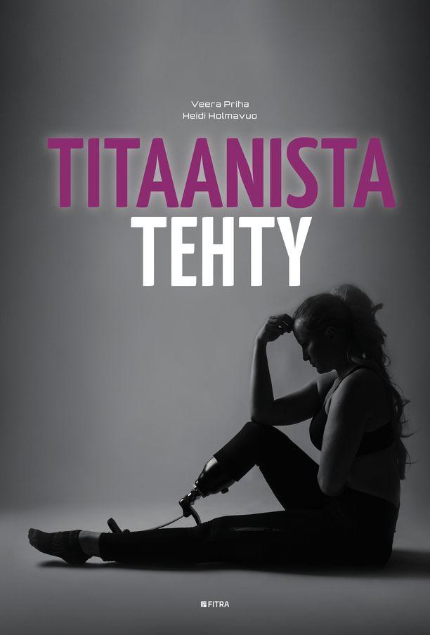 Veera Priha kirjoitti yhdessä Heidi Holmavuon kanssa kirjan Titaanista tehty.