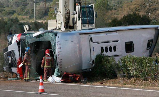 Bussi lähti matkaan Valenciasta keskellä yötä.