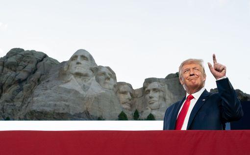 Donald Trump unelmoi kasvojensa veistämisestä kuuluisaan Rushmore-vuoreen – Valkoinen talo tiedusteli asiaa kuvernööriltä