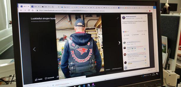 Suomalaismies poseeraa uudessa liivissään Night Wolvesin Fb-sivuilla.