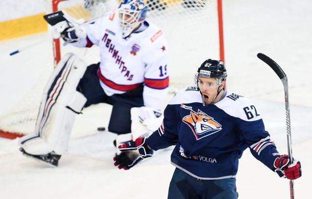 Osala on pelannut KHL:ssä 367 runkosarjaottelua tehoin 88+78=166.