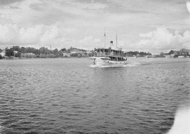 Laiva lähdössä Savonlinnasta.
