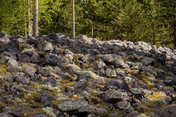 Kastellin jätinkirkko sijaitsee Raahessa. Siitä on jäljellä enää rauniot.