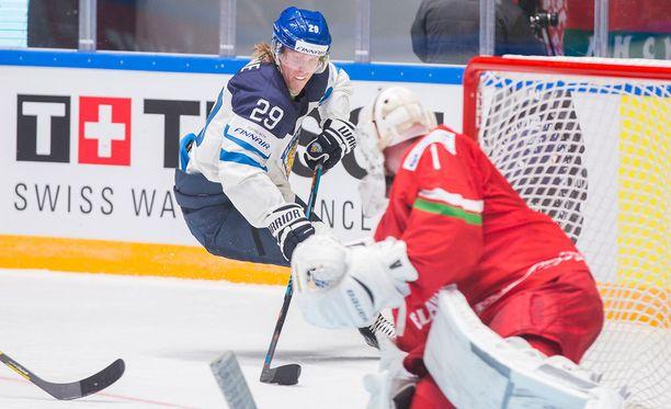 Patrik Laine varataan kahden ensimmäisen pelaajan joukossa ensi kesänä.