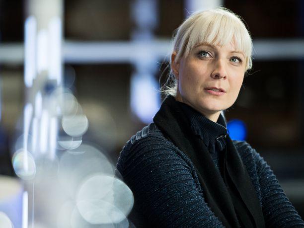 """Perussuomalaisten varapuheenjohtaja Laura Huhtasaari toivoi Ylen haastattelussa opettajien kantavan vastuunsa """"koulujen puoluepoliittisesta propagandasta""""."""