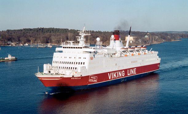 Rosella on liikennöinyt vuodesta 2008 asti väliä Maarianhamina–Kapellskär.