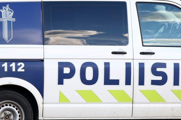 Poliisi löysi vakaviin vammoihin menehtyneen ikämiehen. Kuvituskuva.