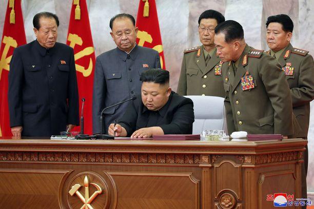 Kim Jong-unin johtama Pohjois-Korea etääntyy Etelä-Koreasta yhä enemmän.
