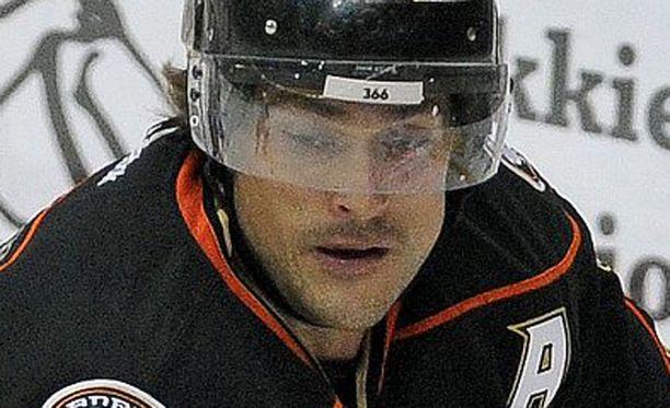 Teemu Selänne on Anaheimin paras pistemies (21+37=58).