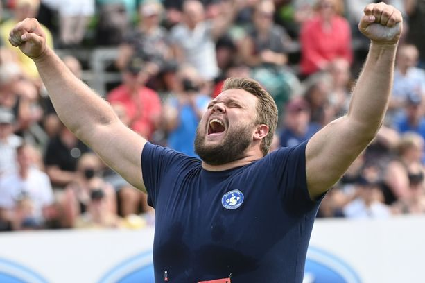 Daniel Ståhl tuuletti voittoheittoaan, joka kantoi 70,55