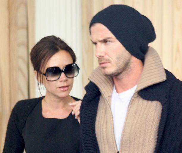 Etäsuhteessä on etunsa, tuumii Victoria Beckham.