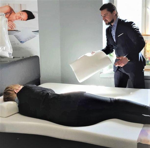 Hyvä nukkumisergonomia löytyy parhaiten asiantuntijan avulla.