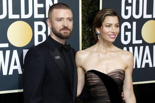 Jessica Biel on tunnettu näyttelijä. Justin Timberlake tunnetaan näyttelijänä ja laulajana.