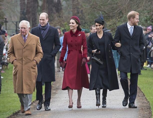 Prinssiveljesten kireät välit mietityttävät kuninkaallisasiantuntijoita.
