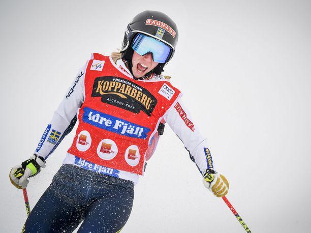 Sandra Näslund jäi sormenpäänmitan verran voitosta.