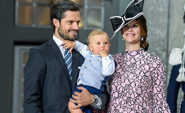Isoveli Alexander saa pienokaisesta leikkitoverin. Sekä Sofia että Carl Philip kertoivat Alexanderin jälkeen, että lisääkin lapsia saa tulla.