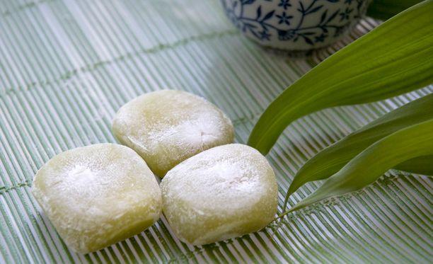 Riisikakku mochi jää helposti kurkkuun kiinni.