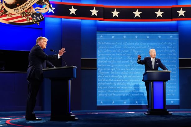 Seuraavassa väittelyssä Trump (vas.) ja Biden (oik.) eivät tule samaan tilaan.