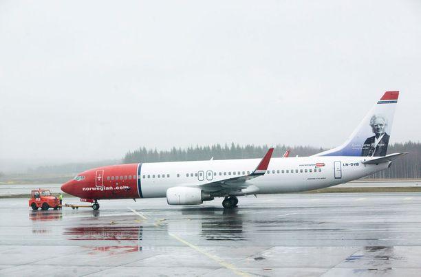 Norwegianin lentoja on jouduttu karsimaan sunnuntaina henkilöstön sairastumisen vuoksi.