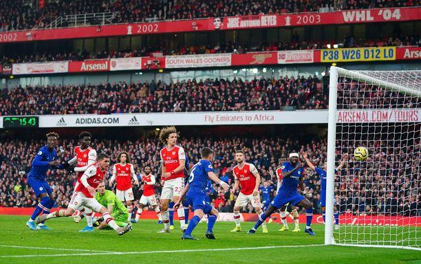 Jorginho tasoitti ottelun Arsenal-vahti Bernd Lenon virheen jälkeen.