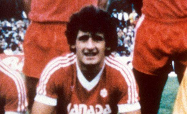 Paul Jamesilla oli suuri rooli, kun Kanada pääsi ensimmäisen ja toistaiseksi ainoan kerran jalkapallon MM-kisoihin. James kuuluu myös Kanadan jalkapallon Hall of Fameen.