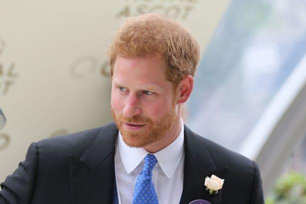 Prinssi Harry turhautui hovielämästä, mikä on näkynyt erilaisina purkauksina sieltä lähdön jälkeen.