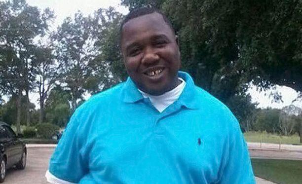 Poliisi ampui Alton Sterlingin (kuvassa) viime vuonna Baton Rougessa.