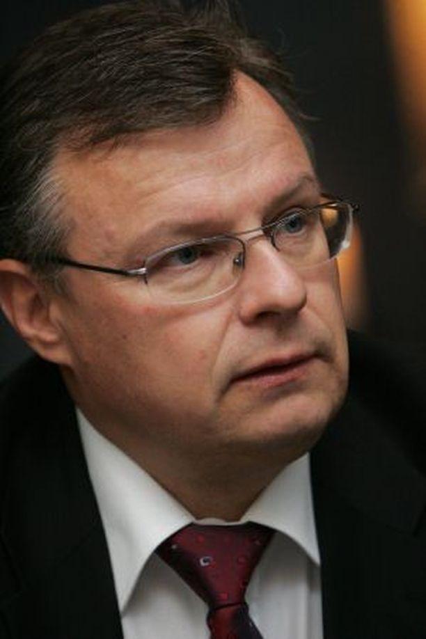 SM-liigapomo Jukka-Pekka Vuorinen ymmärtää kiekkokansan kuohuntaa.