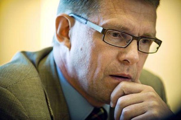 Pääministeri Matti Vanhanen halutaan kyselynkin mukaan vaihtoon. Hän häviää nyt rehellisyydessä Paavo Väyryselle.