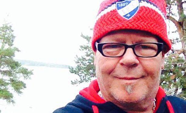 Aimo Lindgren - pitkän linjan HIFK-fani ja IFK-loungen perustaja.