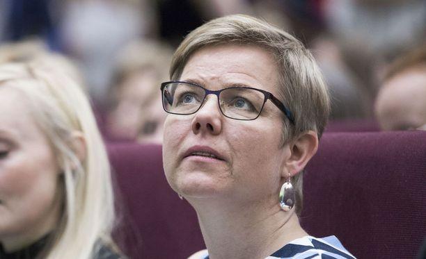 Krista Mikkonen vaatii valvontaelintä ympäristöasioihin maakuntauudistuksessa.