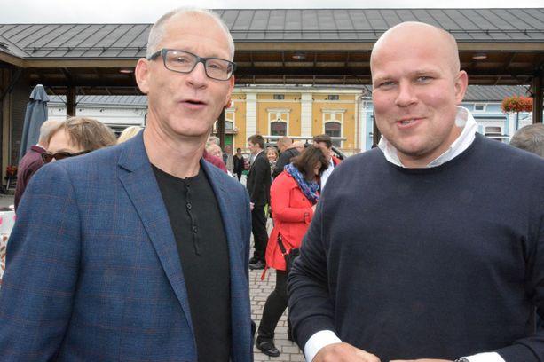 Satakunnan johtavat demarit eli Harri Lehtonen (vas.) ja Kalle Leppikorpi.