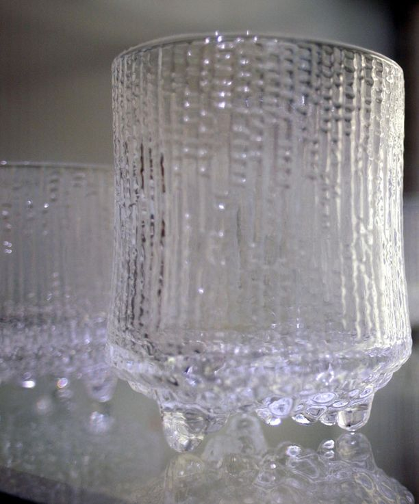 Tori löysi lasisuosikkinsa Iittalan Ultima Thule -sarjasta.
