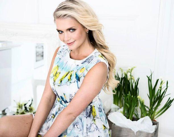Kevään väreissä hehkuva Hintsa on Miss Suomi enää muutaman viikon.