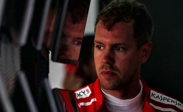 Sebastian Vetteliä uhkaa viiden lähtöruudun rangaistus.