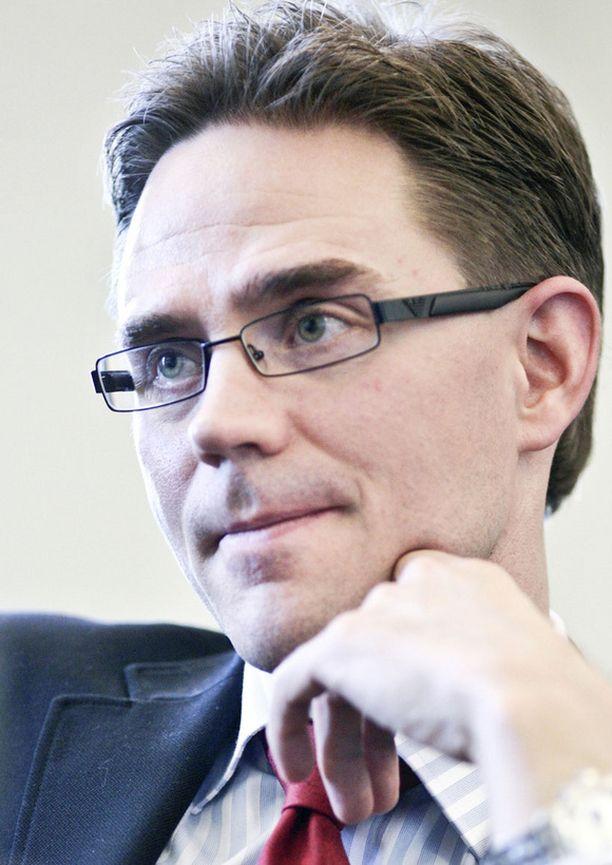 Puheenjohtaja Jyrki Katainen on saanut korrektisti aikaa ja tilaa hoitaa hallitustunnustelijan tehtävää.
